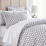 Grand Patrician® Quatre Foil Pattern 600-Thread Count Duvet Cover Set