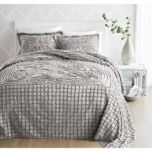 'Emma' Collection Throw Style  Bedspread